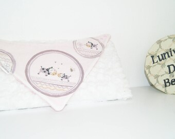 AVAILABLE * 3 bandanas girl bibs set