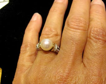 Authentic Vintage TIFFANY & CO Designer Signed 10mm Akoya Cultured Pearl Solitaire and Diamond Ring 14K and Sterling Silver Band Engagement