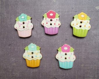 10 wooden buttons shaped cake Cupcake