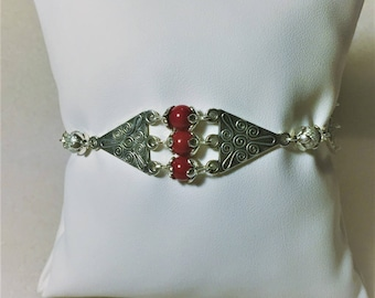 "Bracelet ""Red and silver diamonds"""