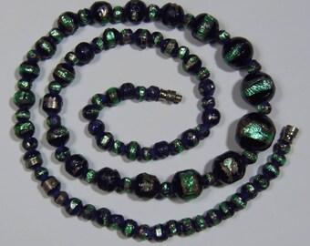 Vintage Venetian Glass Green Foiled Beaded Necklace (3018)