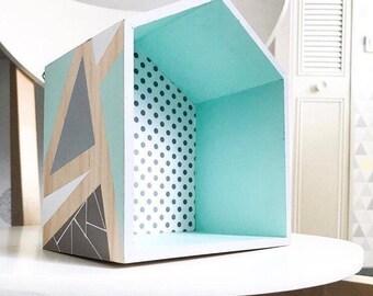Shelf hut wall size M to customize
