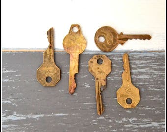 Antique Vintage Keys (5) Old Keys - Vintage Hardware Locksmith Keys - Lot 28