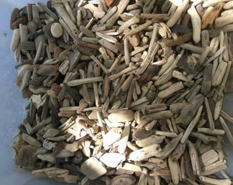 Beautiful Bulk Lot of (50) TINY Little Small Pieces of Driftwood Pieces, Surf-Tumbled, Drift Wood ~ Jewelry Frames Wreaths Crafts Birdhouses