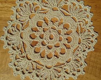 Vintage crocheted ecru doily 8 inch diameter