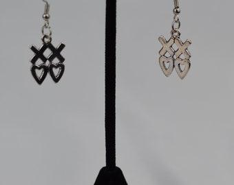 "Earrings - metal ""xoxo"" dangle earrings"