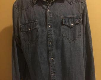Levis Denim XXL Mens long sleeve Western style shirt Red Tag with Pearl Snaps