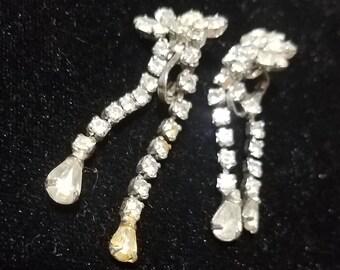 Beautiful Vintage Dangle Rhinestone Earrings