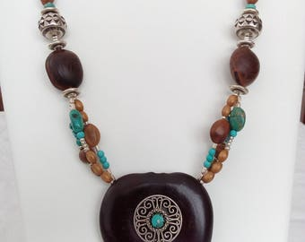 Ethnic necklace seeds and stones genuine length 34 cms
