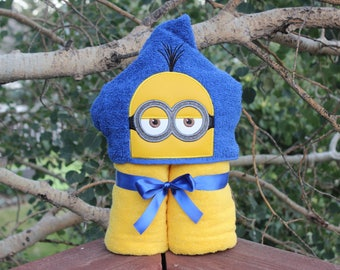 Kevin Yellow Follower Hooded Towel