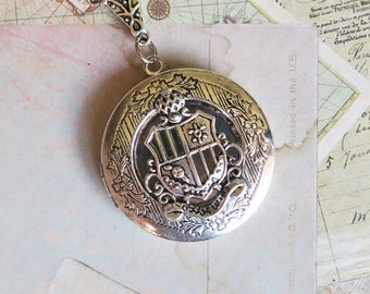 Coat of Arms Locket Necklace, Crest Locket, Family Crest Necklace, Geneology Jewelry, Heraldry Necklace, Family History Locket, Silver