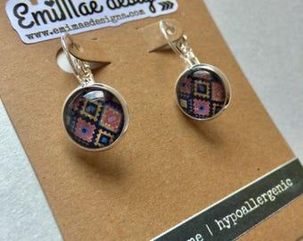 Diamond sparkle pattern french hook earrings