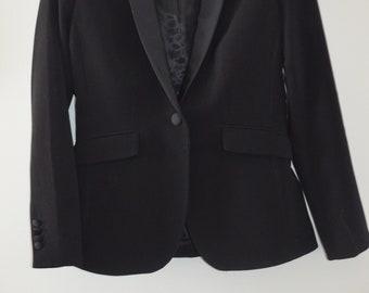 Get 15% off with code NEW15 Medium vintage black Blazer