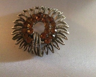 LOVELY VINTAGE BROOCH