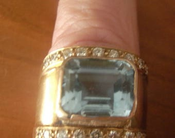 A most attractive aquamarine and diamond ring