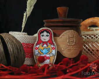 Russian doll brooch, Embroidered brooch, cross stitched bejoux, Matryoshka brooch