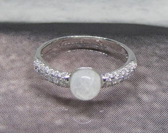 Minimalist silver ring and Moonstone size 60