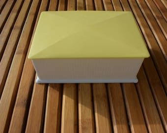 Vintage sugar box in white and yellow plastic - biscuit box - SYLA - FRANCE-