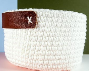Hazel Crochet Basket with leather handles / Storage Basket / Crochet Storage Basket / Home Decor / Home Storage
