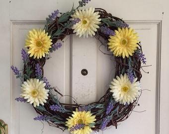 Lavender and Daisy Wreath, Grapevine Wreath, Yellow & Cream Gerbera Daisies, 18 inch wreath