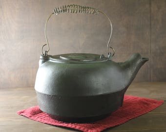 Antique Cast Iron Kettle, Tea Pot, Cowboy Kettle, Gate Marked, Reasoned,  Ready for use! Country Decor, Fireplace Steamer