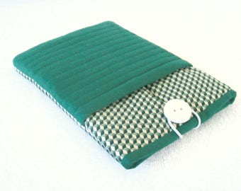 "Kindle Fire Cover, IPad Mini Cover, Nook Cover, IPad Mini Case, Kindle Fire Case, Kindle Cover, IPad Cover, Green  and White Quilted, 8""x 5"""