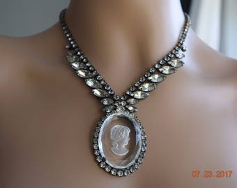 Vintage Clear Cameo Pendant With Rhinestones