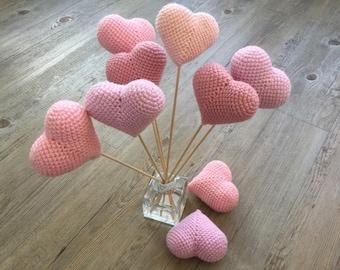 crochet hearts. amigirumi hearts. wedding decor. wedding hearts.