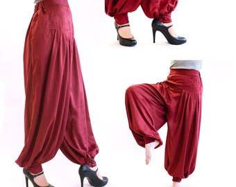 Harem Jessica, red pants
