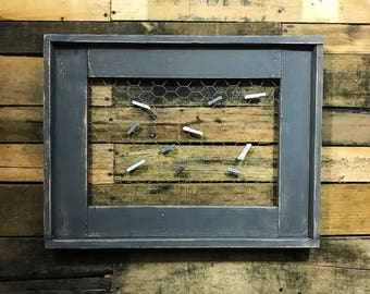 Rustic Picture Display / Photo Frame / Picture Frame / Rustic Decor / Photo Picture Frame / Framed Chicken Wire / Picture Clips Display