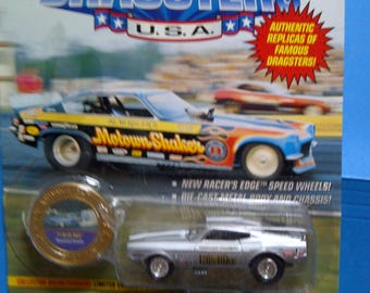 Johnny Lightning Dragsters Ford Mustang Blue Max new on card