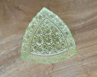 antique Vaseline uranium green glass dish - Daisy & Button - triangular - trinket jewelry holder -  collectible glass art  - 1900-1930s