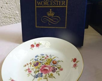 Royal Worcester Large Round Pin Dish/Bournemouth/Fine Bone China/Collectable/Vintage/1970s