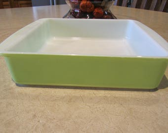 PYREX CAKE PAN, Lime Green 222 Square Baking Dish