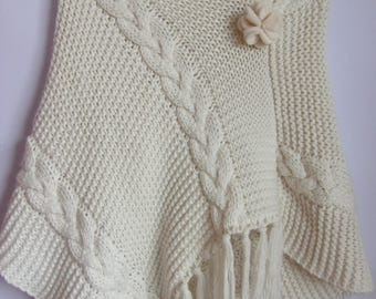 Vintage Women's Poncho/Knitted Warm Soft  Poncho/White Color Woolen Poncho/Asymmetrical  Poncho With Fringe/ Made in Italy/ Size M