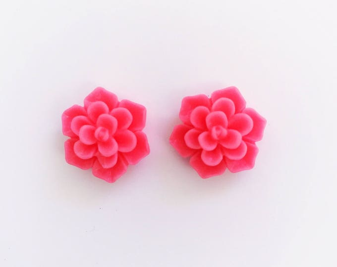 The 'Stacy' Flower Earring Studs
