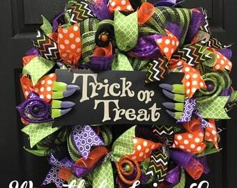 Halloween wreath, trick or treat wreath, front door wreath, holiday wreath, handmade wreath, fall decorations, fall wreath