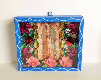 Virgen de Guadalupe Colorful Wooden Nicho Shrine Ornament Altar / Altar Our Lady of Guadalupe Nicho Handmade Day of the Dead Virgin Mary