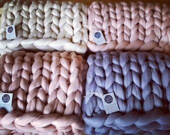 Chunky knit blanket, giant yarn throw - wrap, arm knit blanket from 100% merino wool, extra warm chunky blanket