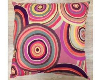 Circles decor' pillow!
