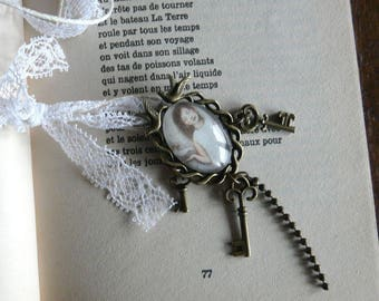 """Necklace with illustration """"If you have to fly away"""""""
