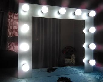Hollywood Vanity Mirror with lights -  Large -  11 light bulbs  Silver