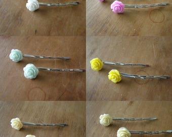 choose set of 2 clips with flowers