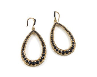 Hoop earrings with black stones, gold and black earrings, black earrings, evening earrings, vintage earrings.