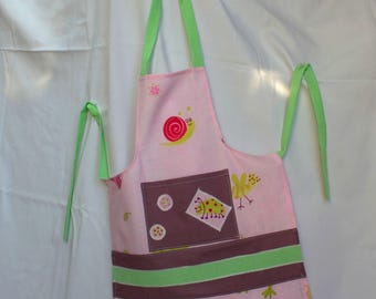 Kitchen apron for the home, school and leisure.