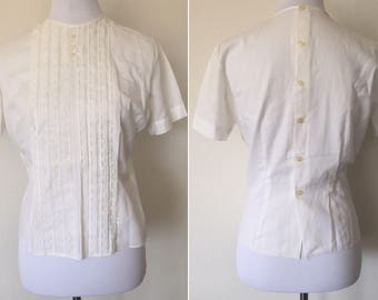 1950's Judy Bond White Short Sleeve Pintuck Lace Blouse Midcentury Buttondown back