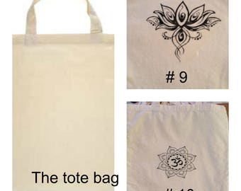 Light weight tote with decal