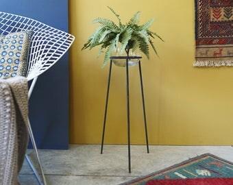 Simple Midcentury Metal Plant Stand