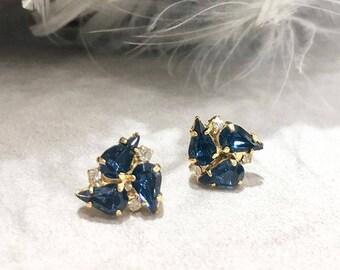 VINTAGE - Blue Crystal flower pierced earrings