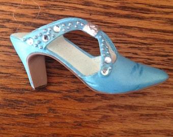 shoe brooch